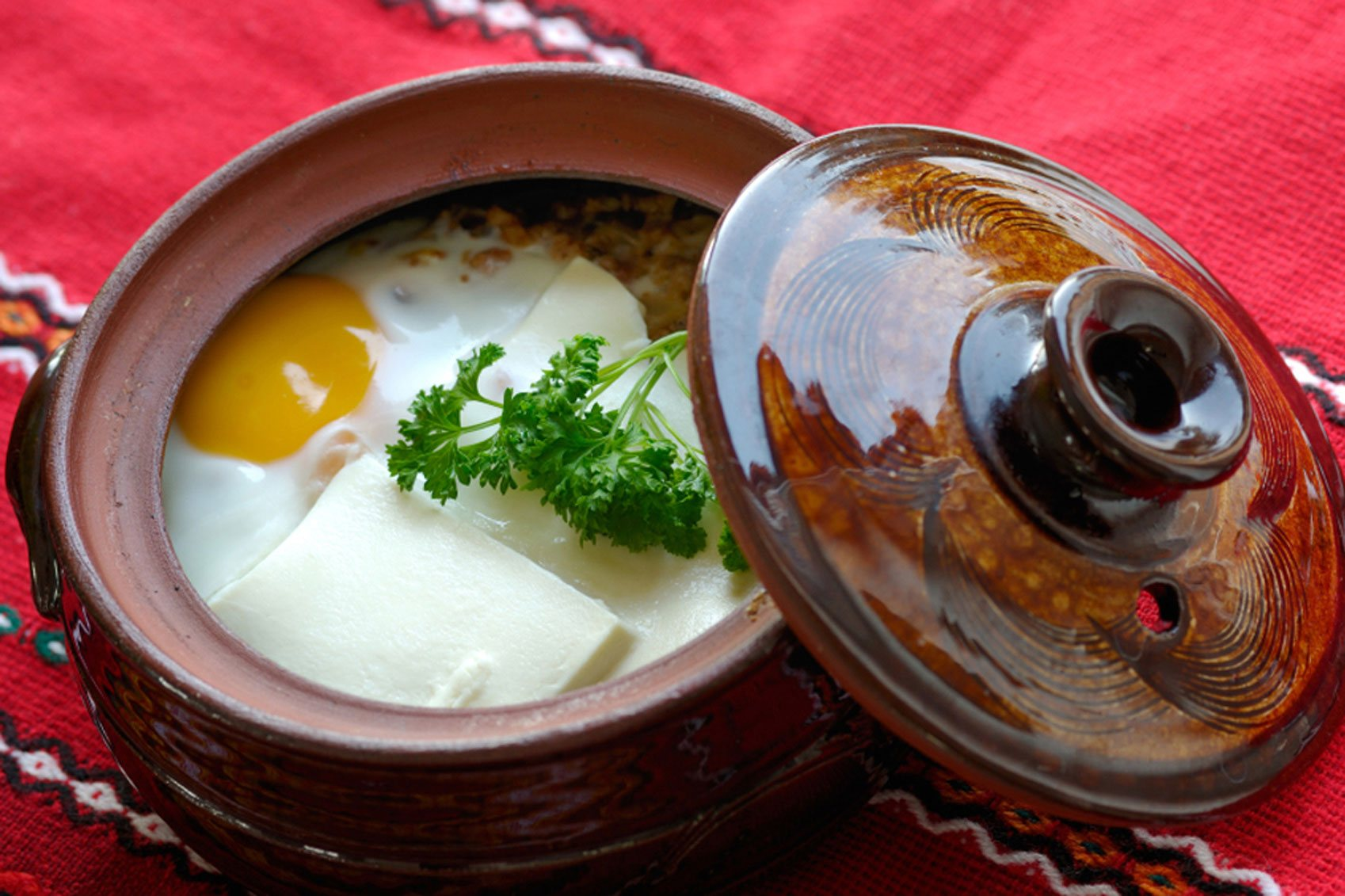 Bulgarian food - gyuvetche